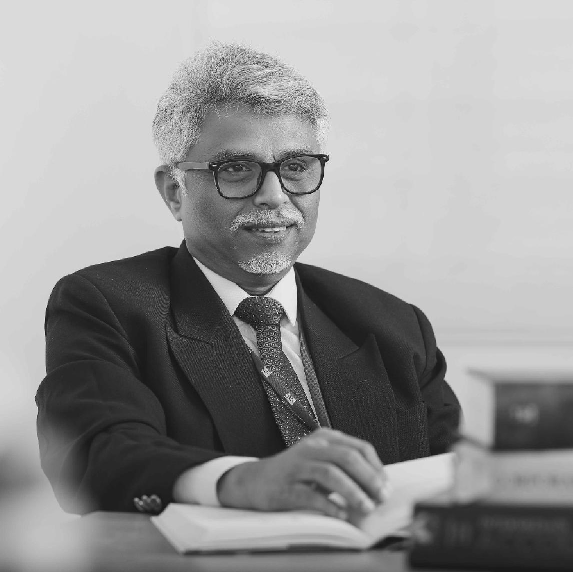Dean/Prof. Sridar Natarajan is a Metallurgical Engineer from IIT Kharagpur- HR courses in Chennai
