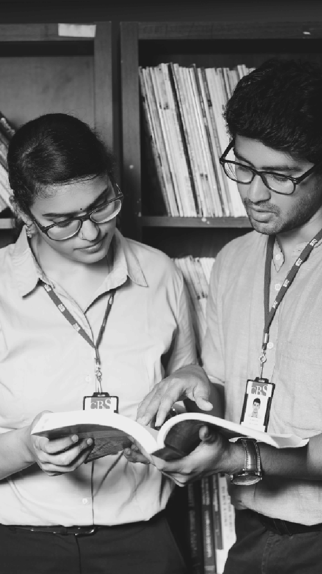 Students teaching each other- HR courses in Chennai